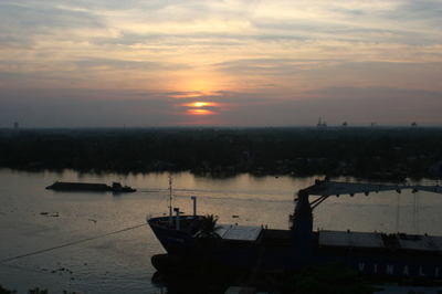 saigon-river2