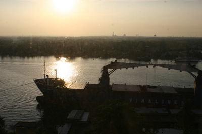 saigon-river3